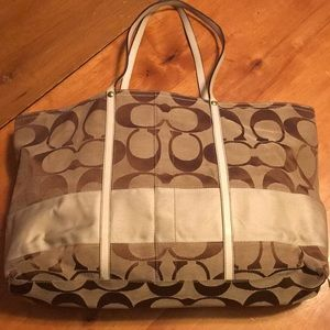 Handbags - Coach Signature Vintage Bag